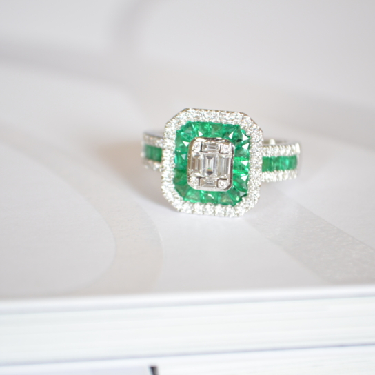 Bague Deesse emeraude et diamants