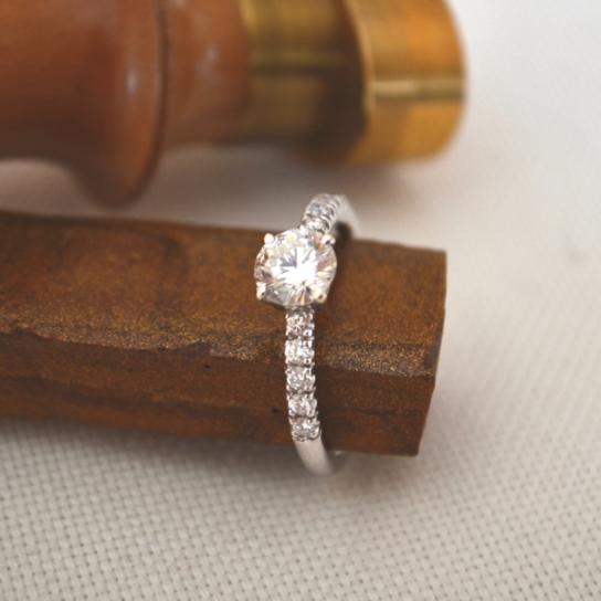 Bague Fiançailles Création Diamant Blanc